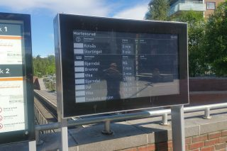 Digital wayfinding screen in Norway
